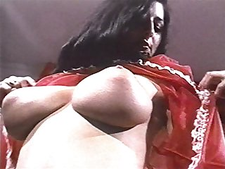 SHE COMES IN COLOURS - vintage big tits..