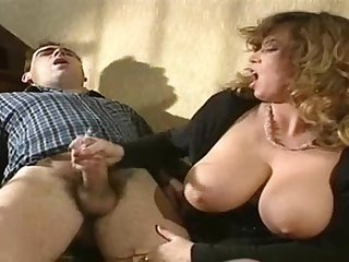 TRACEY ADAMS HANDJOB AND CUMSHOT ON..