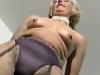 1970s Nylon Porn - MATURE CLASSY LADY 2