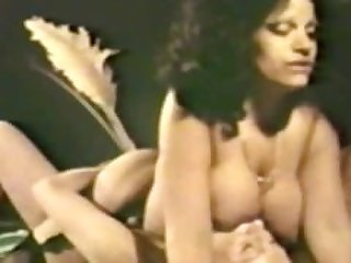 Lesbian Peepshow Loops 534 70's and 80's..