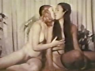 Lesbian Peepshow Loops 536 70s and 80s -..