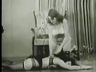 BETTIE PAGE- HOGTIED