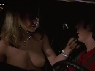 Kelly Preston - Hot Sex Scenes, Toples..
