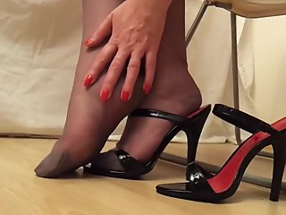 Black Heels And RHT Stockings
