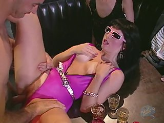 Classic Porn: Punk woman fucked in a bar