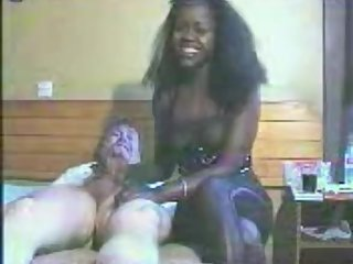 Ebony Handjob (old video)