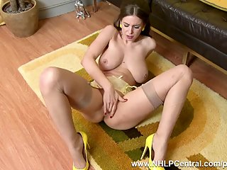 Natural big tits brunette Stella Cox..